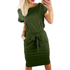 Short sleeve wear to work pencil dress.